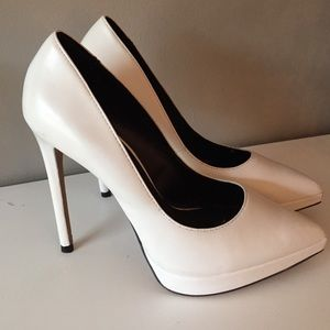 "ALDO white pointed toe 5"" heels size 7"